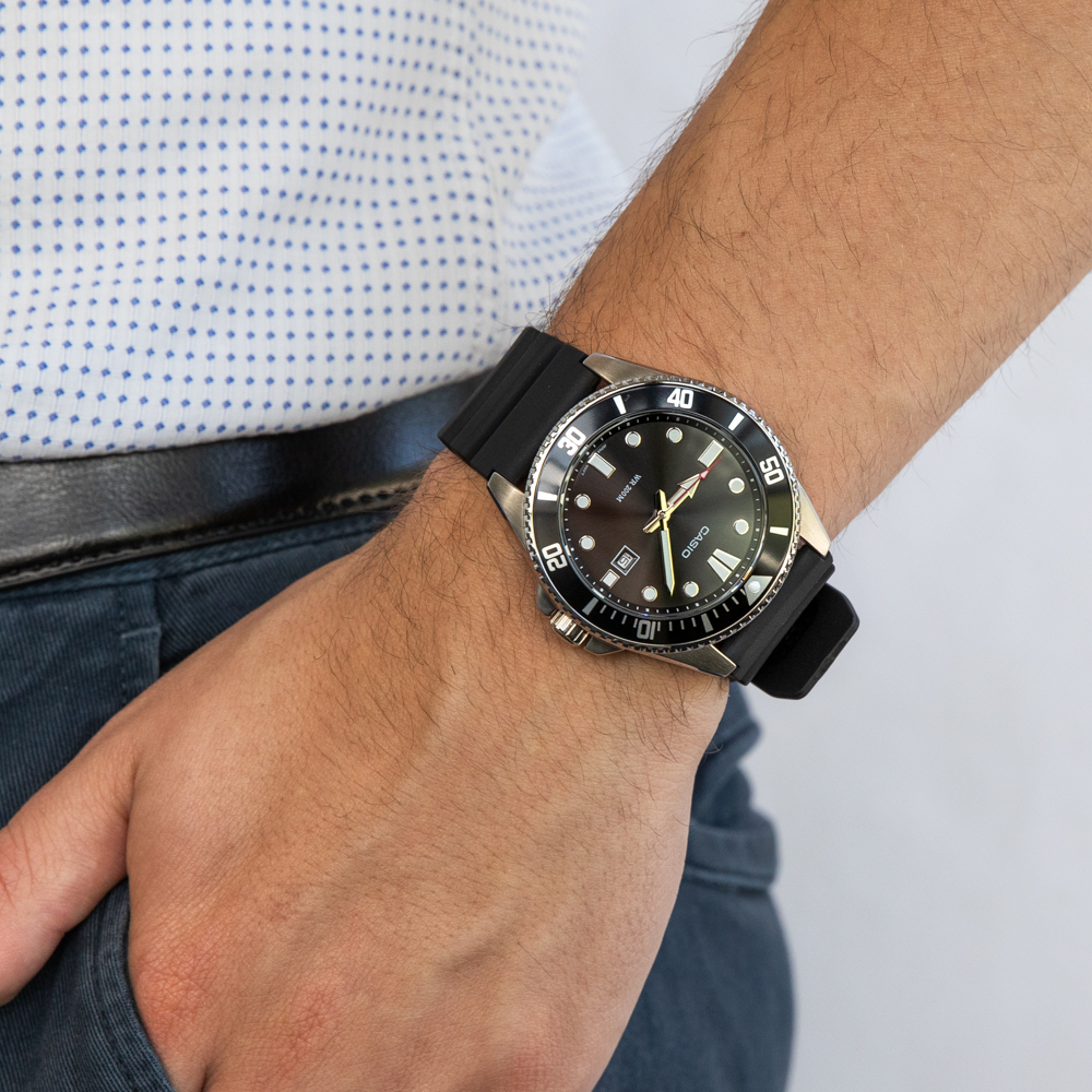 Casio Duro MDV107-1A1 200 Metres Divers Watch